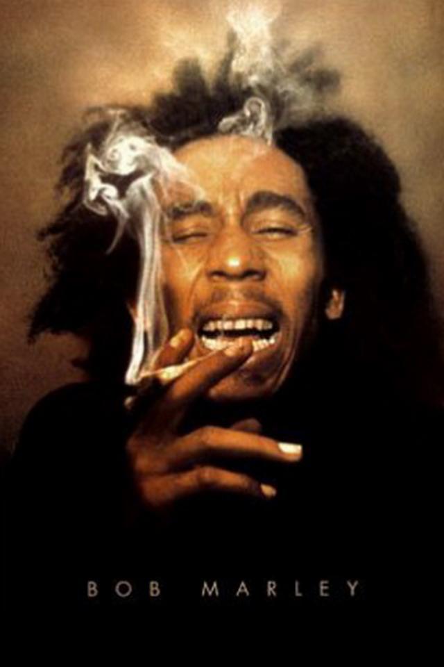 bob-marley-laughing-smoking